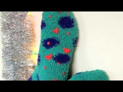 DIY Christmas Gifts: No-Slip Fuzzy Socks (Day22)