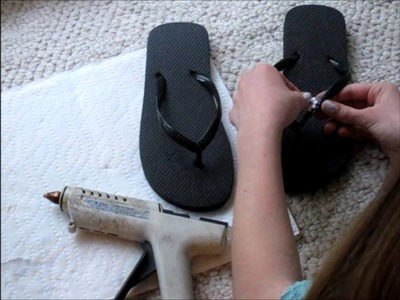 DIY: 3 Ways to Design Flipflops  ∞ Studded, Floral, Bow