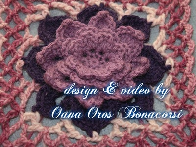 Crochet square with flower motif