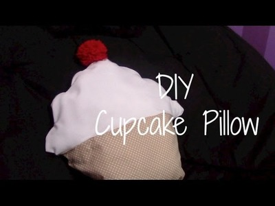 DIY No-Sew Cupcake Pillow {Easy & Cute}