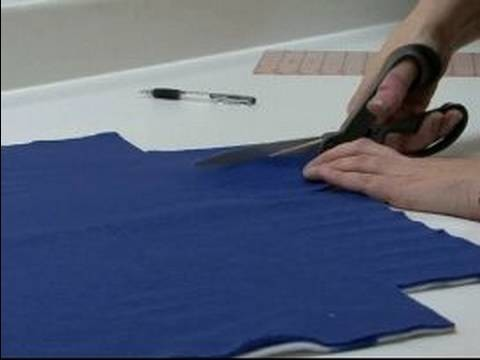 How to Make Tie Blankets : Cut Slashes to Make a Tie Blanket