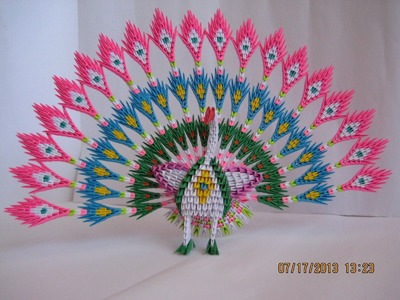 3D Origami Peacock with 19 Tails 1538 pieces