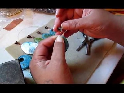 How to make a simple bail for a large hole bead