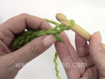 DROPS Crochet Tutorial: How to work single crochet back and forth