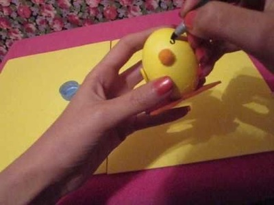"""Easter egg Decorating: """"Chick"""". pollito"""