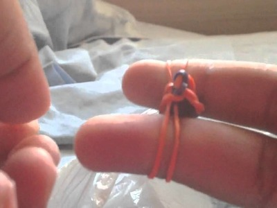 How to make a rubber band bracelet w.fingers