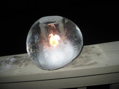 How to make Ice Globes, cool candle-lit luminaries