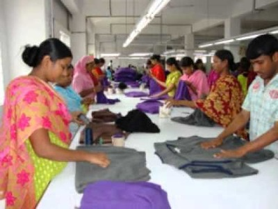 S P M Designs Ltd. Sweater Manufacturing Factory Video Slideshow in Bangladesh.wmv