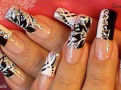 Black & White FreeStyle Nail Art Design