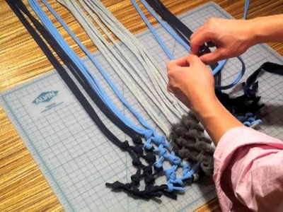 HOW TO connect two strips of t-shirt yarn
