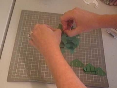 Assembling the 3D Pop Up Christmas Tree Die from Stampin' Up!