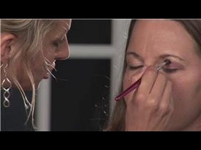Eyeshadow Application : How to Apply Two Shades of Eye Shadow