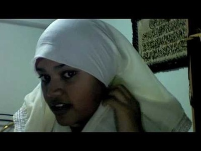 Hijab Tutorial 16 : The Triangle Hijab