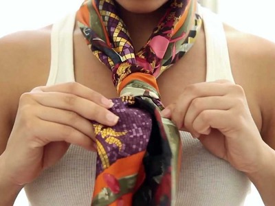 5 Ways To Express Yourself with your Hermès Scarf