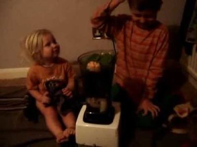 Green smoothie (raw food recipe from kids) for children to enjoy