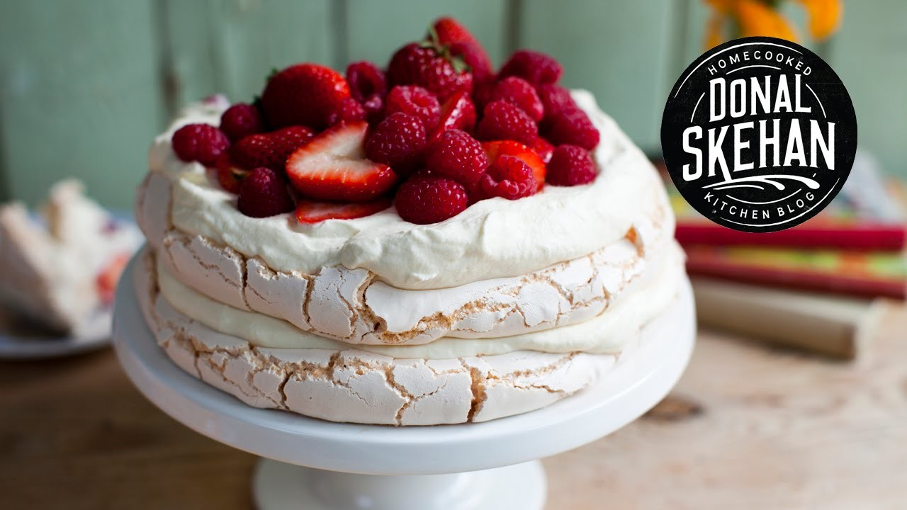 How to make.  Strawberry Pavlova Cake!