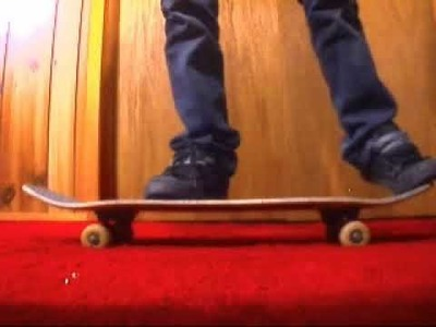 How to ollie on a skateboard for beginners.