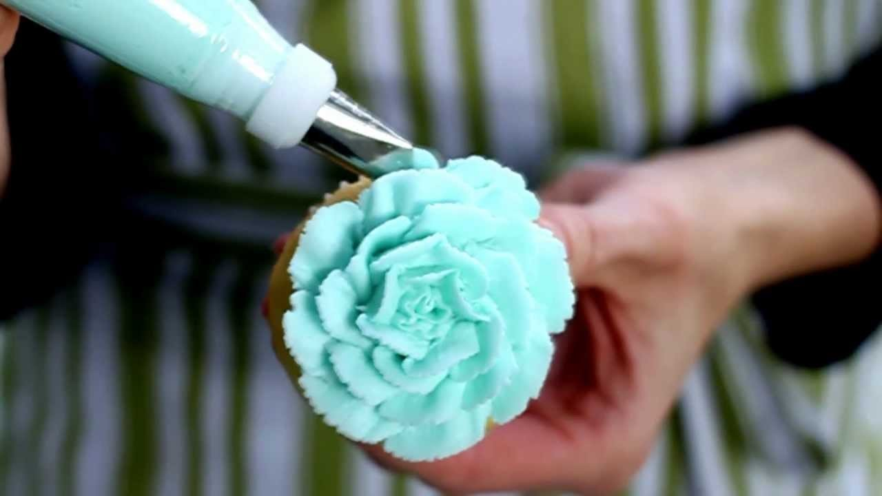 Easy Cupcake Frosting Technique 5