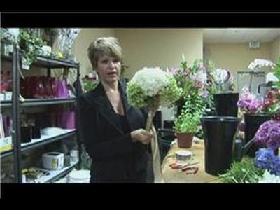 Floral Arrangements : How to Make a Large Hydrangea Bridal Bouquet