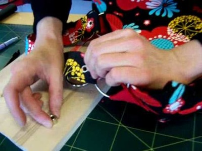How to insert eyelets in a handbag strap