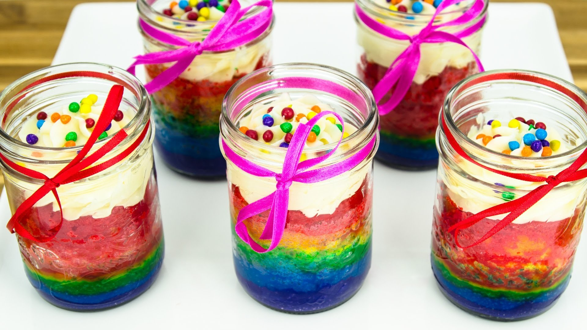 Rainbow Cupcakes in a Jar: How to Make by Cookies Cupcakes and Cardio