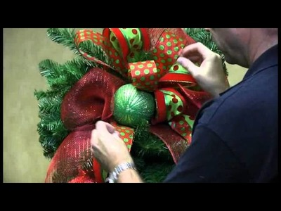 How To Decorate a Teardrop Wreath for Christmas - Trees n Trends - Unique Home Decor