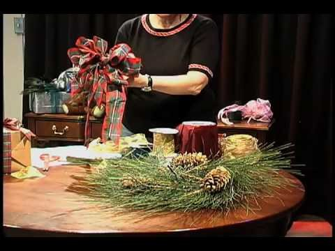 How to Make a Perfect Christmas Wreath Bow