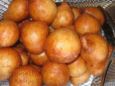 How to Make Nigerian Puff Puff (Kpof Kpof)