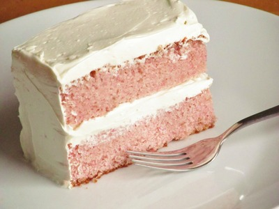 How to Make Strawberry Cake From Scratch