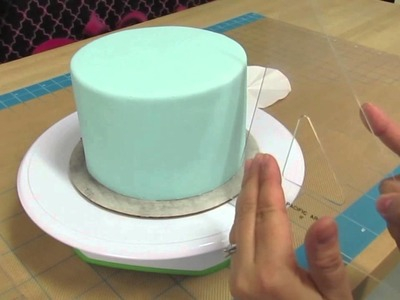 How To Create Quilt Pattern On A Cake the Krazy Kool Cakes Way!
