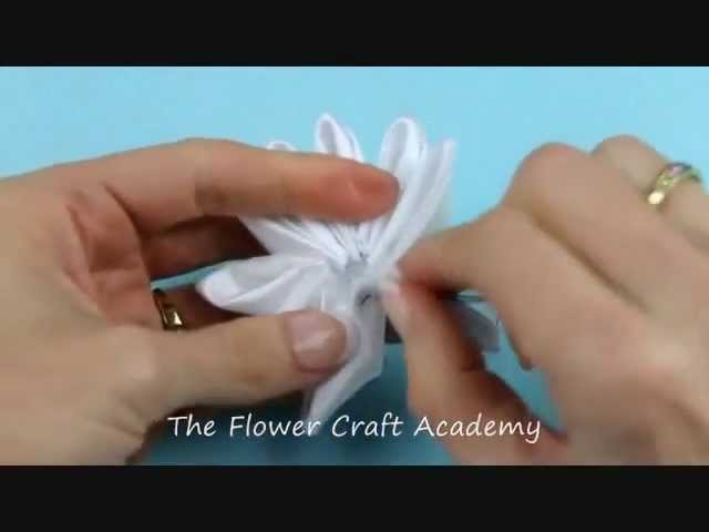 Kanzashi Tutorial - Kanzashi Flower with Gathered Petals
