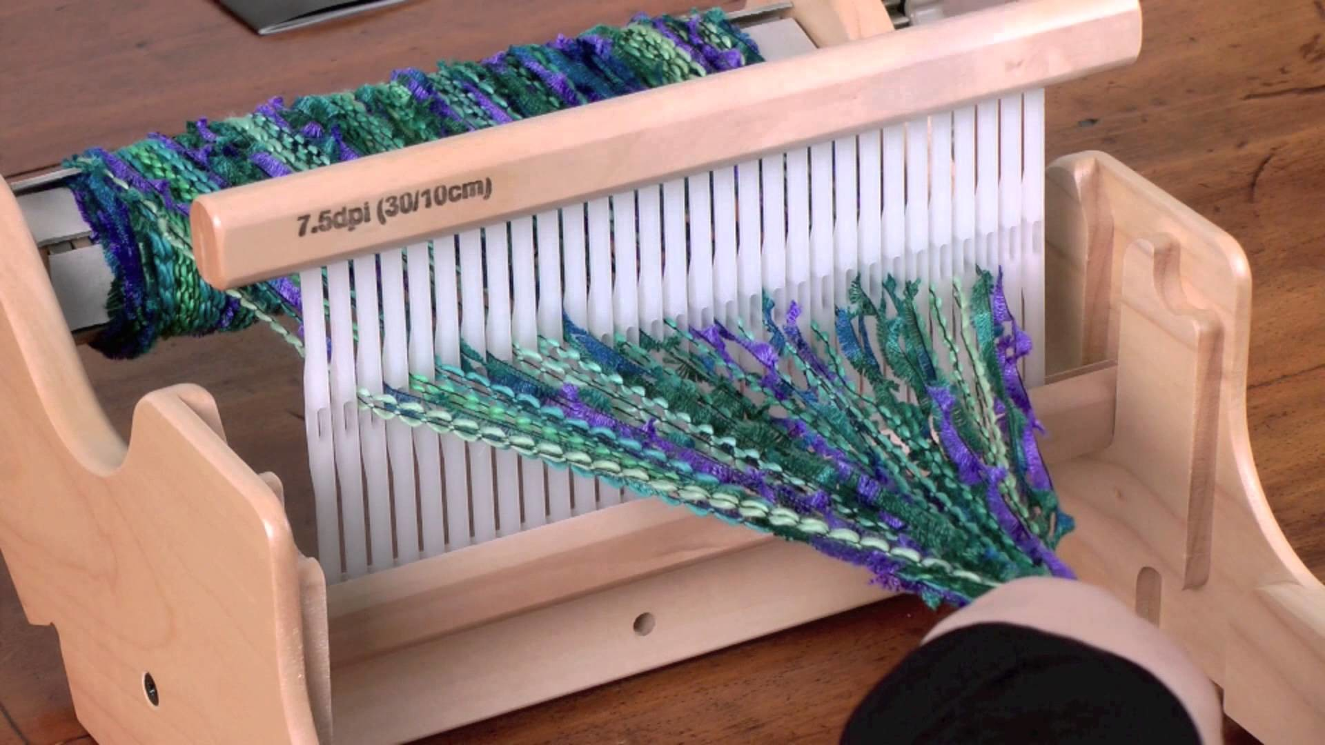 Weaving on the SampleIt Loom