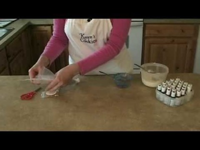 Cookie Decorating: Color Mixing and Bag Filling