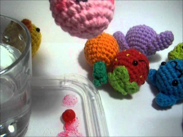 Nerdigurumi - Tutorial for painting cheek blush on amigurumi