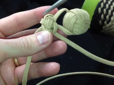 Paracordist how to tie a monkeys fist knot in hand - Part I of the quick release keychain bola