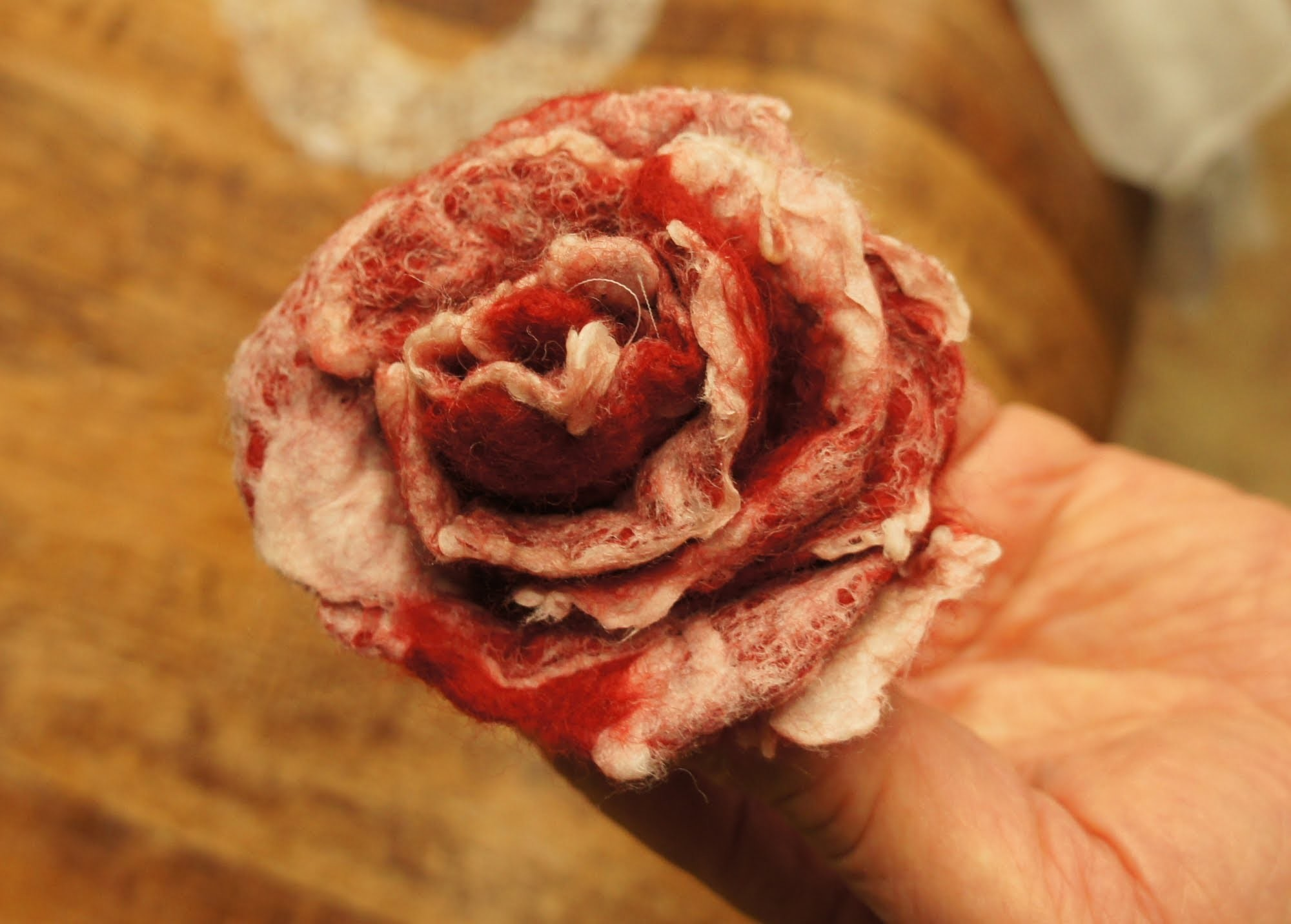 How to make felted wool flower