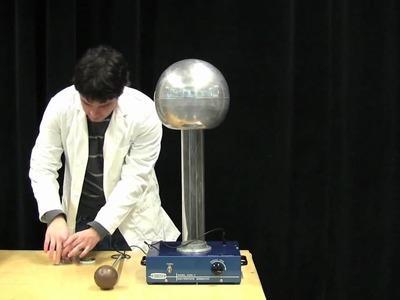 MIT Physics Demo -- Confetti and the Van de Graaff Generator