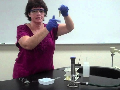 How to make a bacterial smear