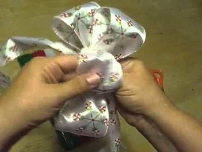 How to Make a Loopy Bow!  Noreen's Kitchen