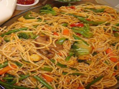 How to make Hakka Noodles Video Recipe - Vegetable Chow Mein-  Indo-chinese