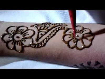 How to Make Simple Arabic Mehndi Design