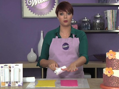 Learn to add Patterns and Texture to your Fondant Cakes