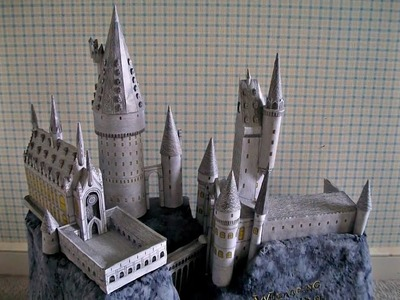 Paper Model of the Hogwarts School.Castle from The Wizarding World of Harry Potter