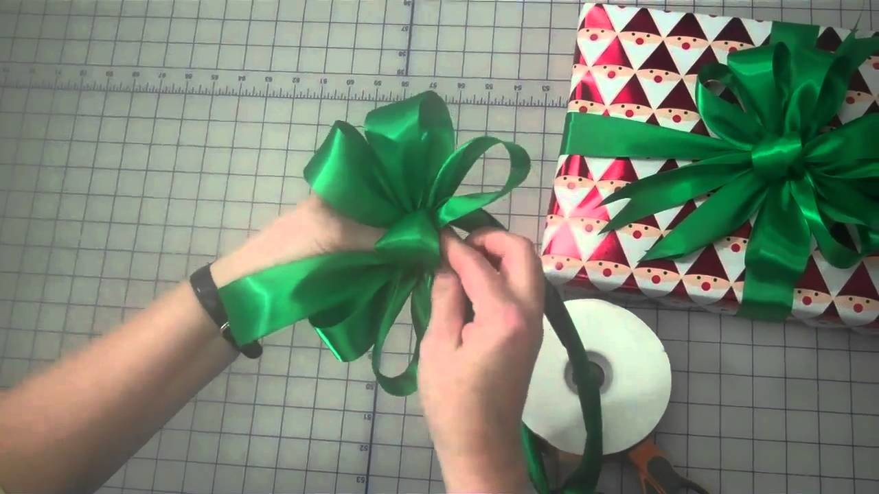 How to Make a 3 Loop Gift Bow by Lisa's Gift Wrappers