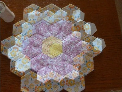Grandmother's Flower Garden Quilt Tutorial