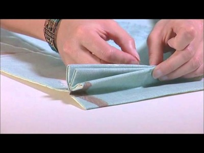 How to make a Pinch Pleat (Curtain Academy)