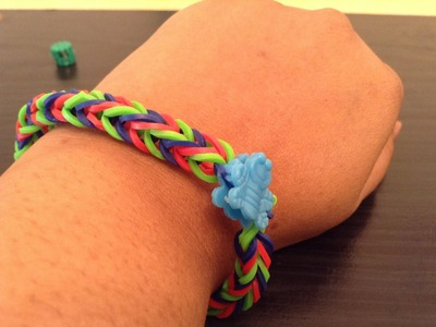 How to make a Simple Rainbow Loom Bracelet with a Fork - For beginners