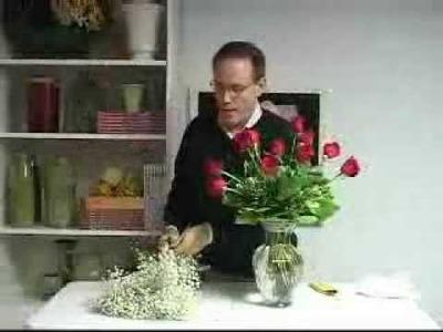 FR Presents: Easy Technique for Arranging a Dozen Roses