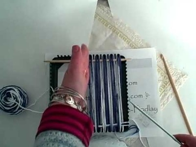 How to weave a rectangle on the potholder loom by Noreen Crone-Findlay (c)