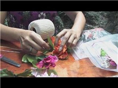 Making Hawaiian Leis : How to Make a Silk Lei